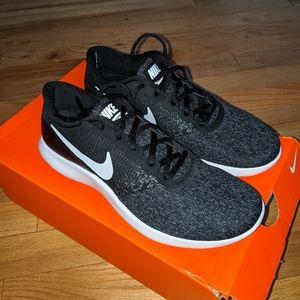 NIB! Nike Flex Contact Running Shoes